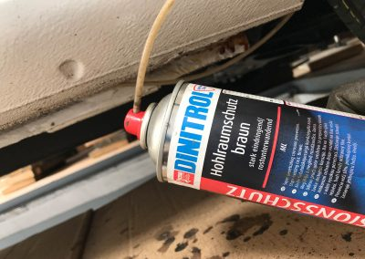 Prossinger Automobile: Fahrzeugsanierung Hohlraumschutz