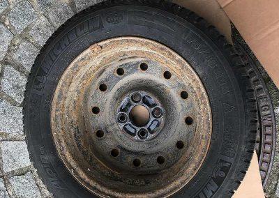 Prossinger Automobile: Fahrzeugsanierung Felgen Daihatsu Sirion 4x4 – vorher