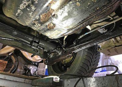 Prossinger Automobile: Fahrzeugsanierung Unterboden Daihatsu Sirion 4x4